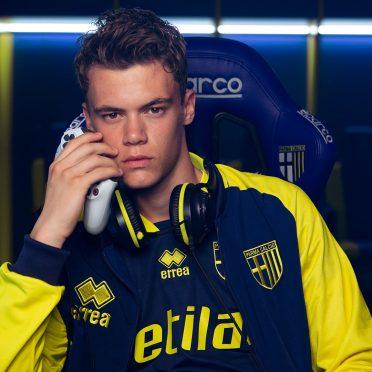 Parma giacca e maglia blu-giallo 2020-21
