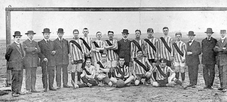 prima divisa da gioco 1909