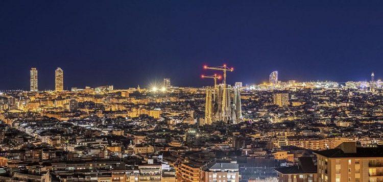 Barcellona vista notturna città