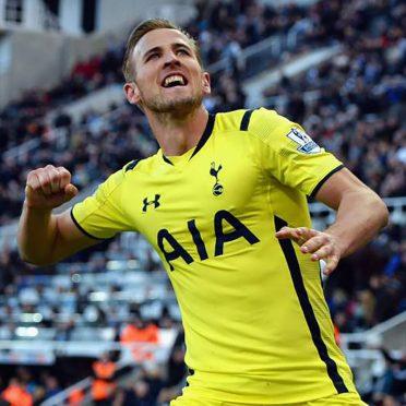 Kane, terza divisa Tottenham gialla
