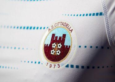 Terza maglia Cittadella 2020-2021 stemma