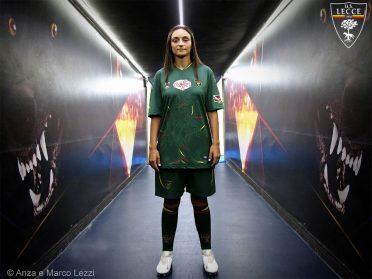Terza maglia Lecce 2020-2021 verde