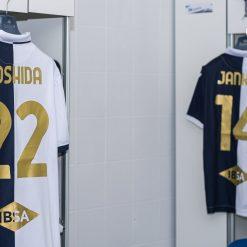 Font in oro, maglia Sampdoria