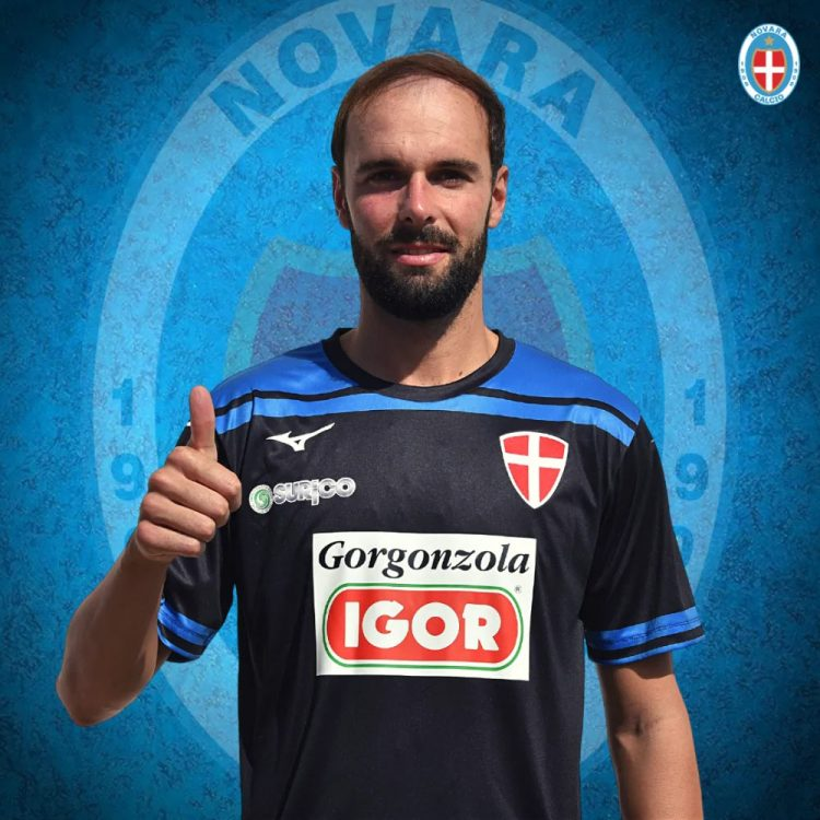 Terza maglia Novara 2020-21