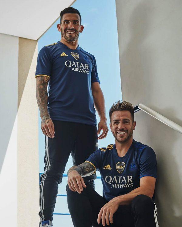 Tevez con la quarta maglia del Boca Juniors
