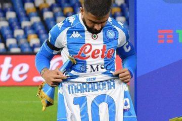 Maglia Napoli-Argentina in ricordo di Maradona