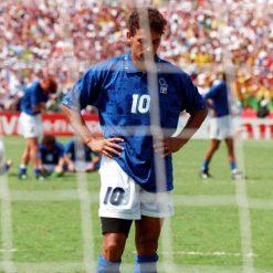 Roberto Baggio dopo il rigore sbagliato in finale nel 1994
