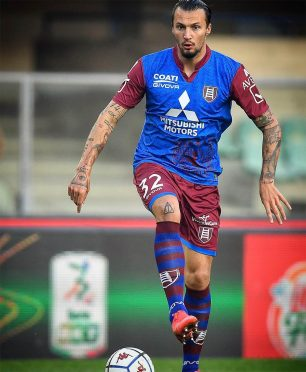 Divisa trasferta Chievo blu-granata 2020-21