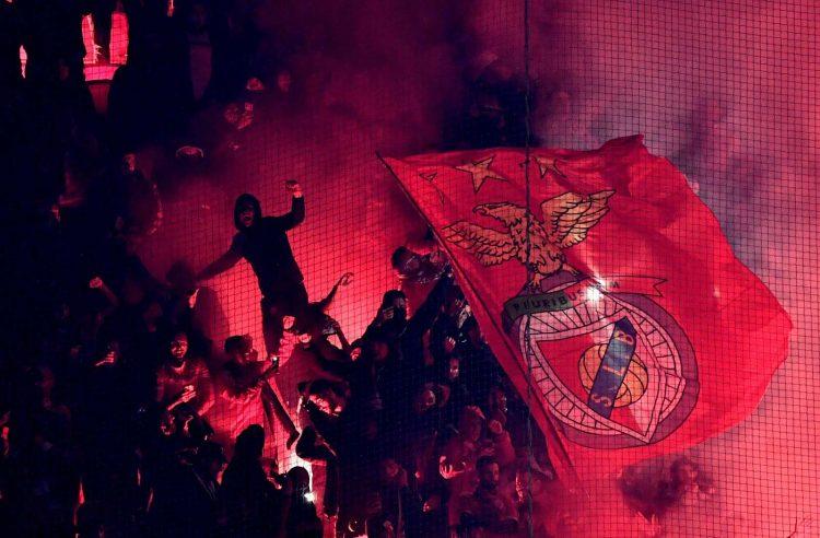 tifosi biancorossi del Benfica