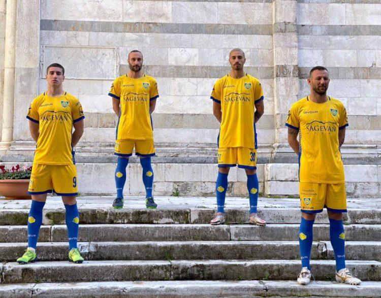 Seconda maglia Carrarese gialla 2020-2021