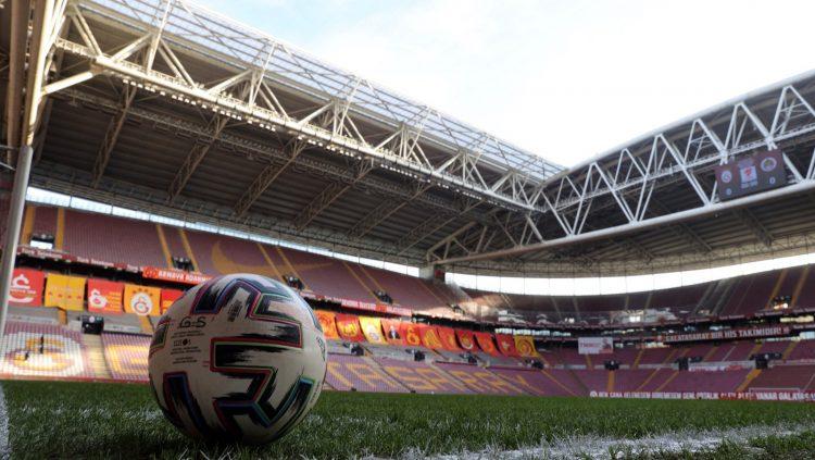 Türk Telekom Arena campo