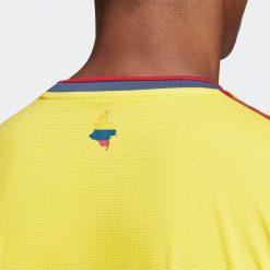 Dettaglio retro colletto Colombia