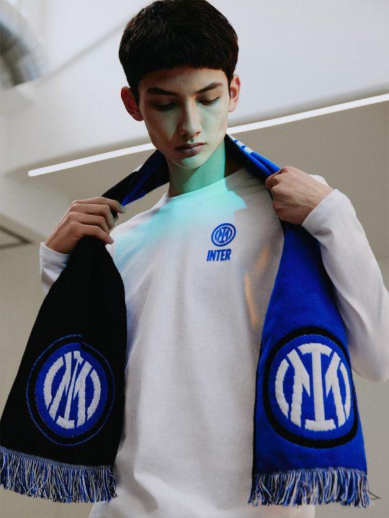 Sciarpa Inter con il nuovo logo