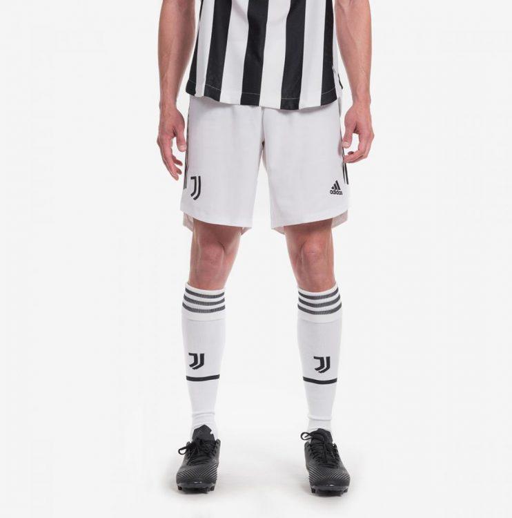 Pantaloncini e calzettoni Juventus 2021-22