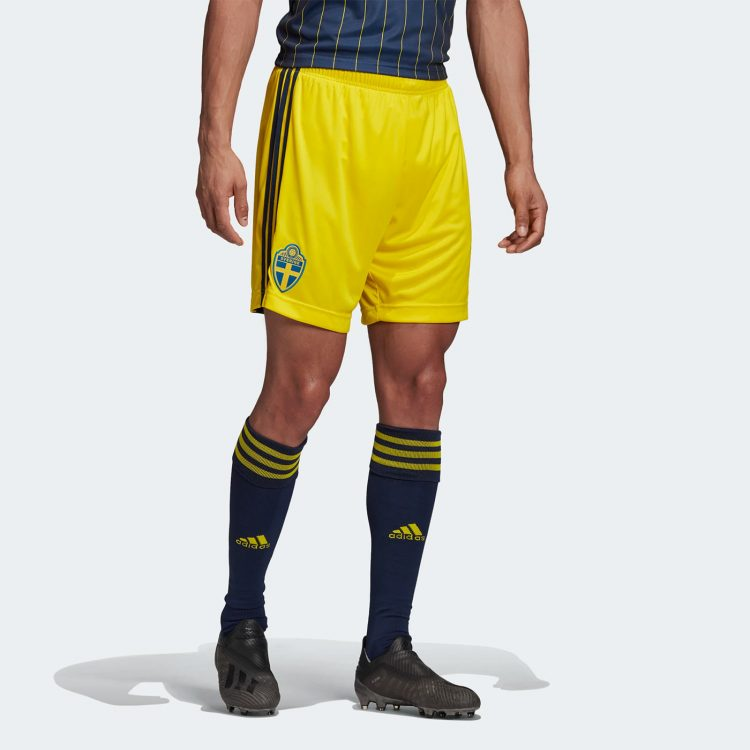 Pantaloncini Svezia gialli 2020-21