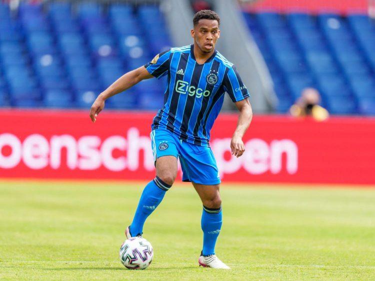 Kit Ajax away 2021-2022 Adidas