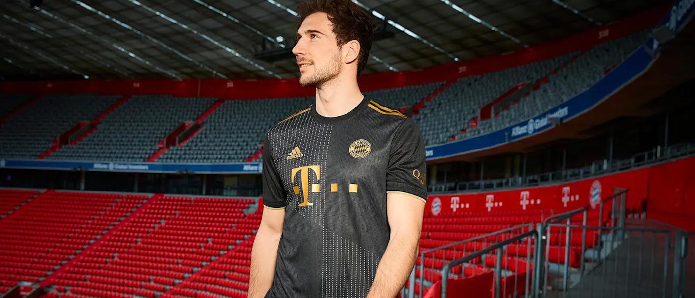 Seconda maglia Bayern Monaco 2021-2022 con omaggio alla Baviera