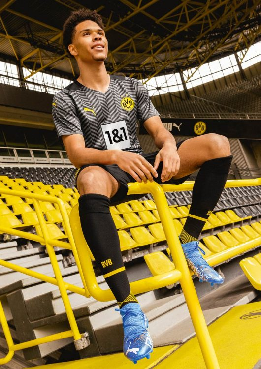 Kit away Borussia Dortmund 2021-2022 Puma
