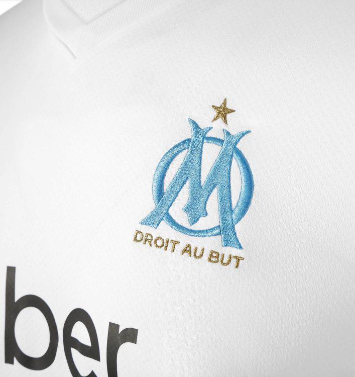 Lo stemma del Marsiglia ricamato