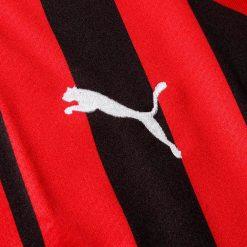 Logo puma ricamato maglia Milan replica