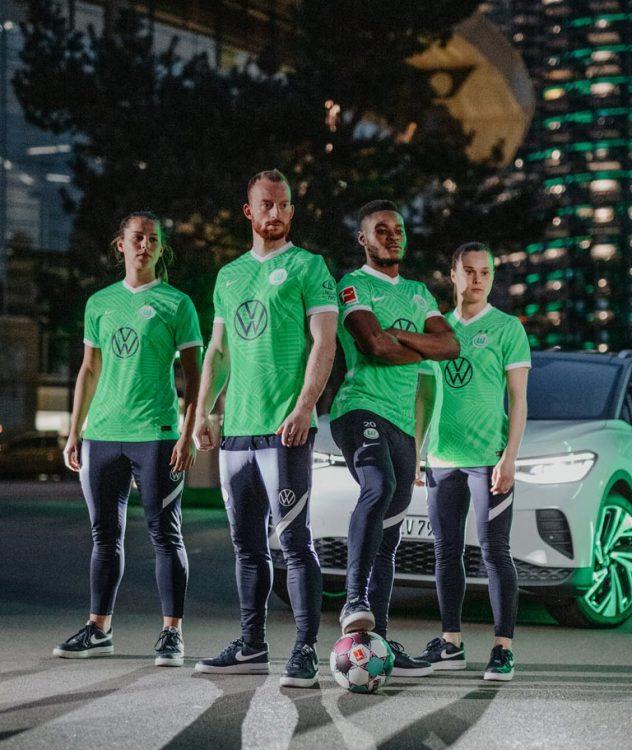 Presentazione maglie Wolfsburg 2021-2022