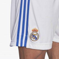 Dettaglio stemma Real pantaloncini bianchi