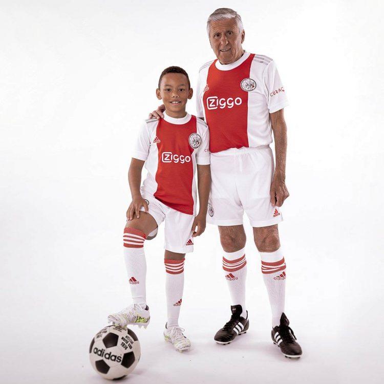 La divisa dell'Ajax 2021-2022
