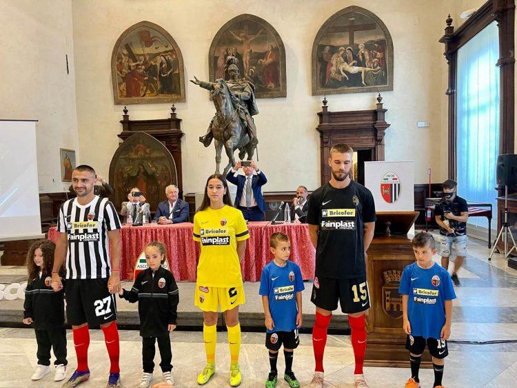Presentazione maglie Ascoli 2021-2022