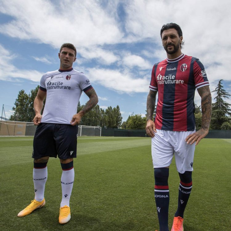 Le divise del Bologna 2021-2022