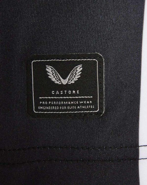 Etichetta Castore sulla maglia del Newcastle