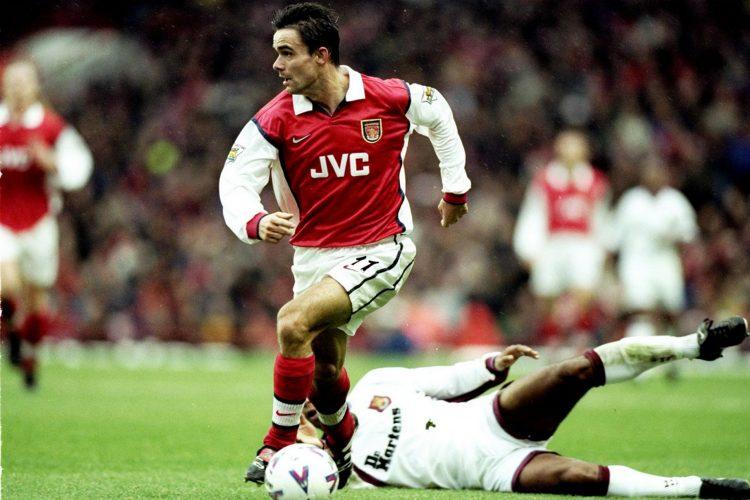 Maglia Arsenal 1998-99 con sponsor JVC