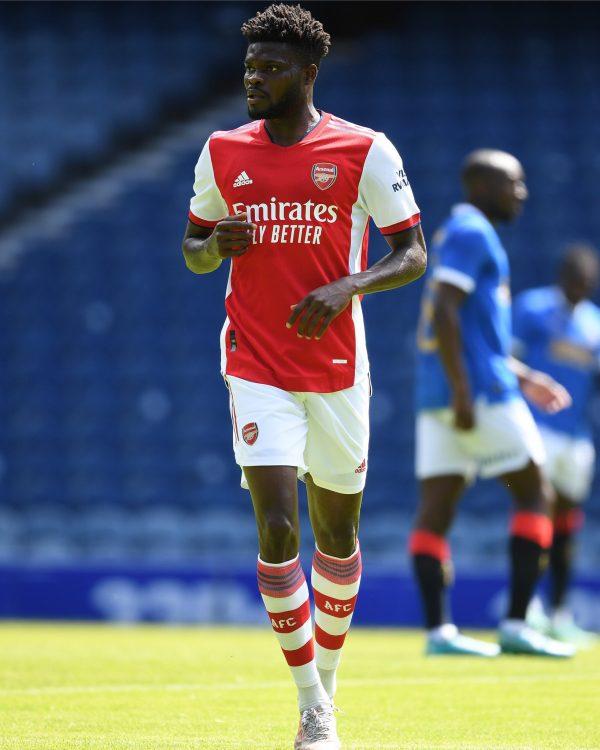 La divisa dell'Arsenal in campo
