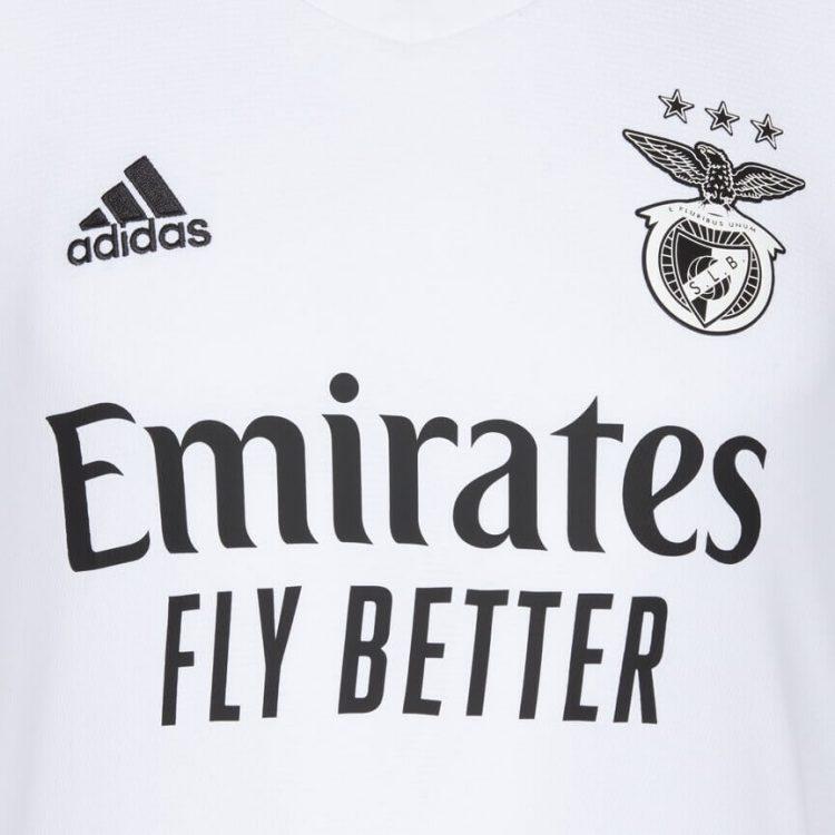 Dettaglio maglia away Benfica