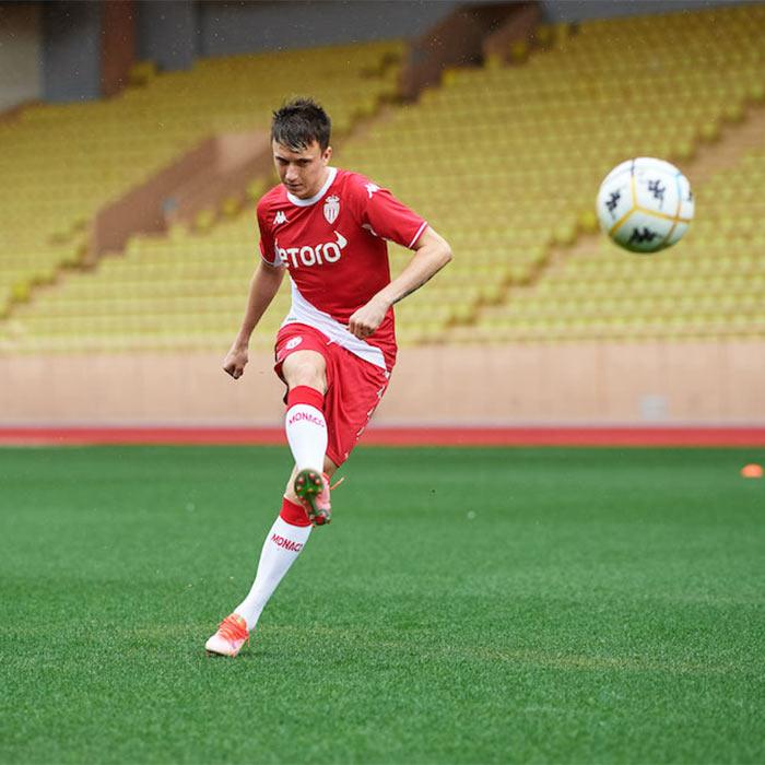 Golovin con il kit del Monaco 2021-2022