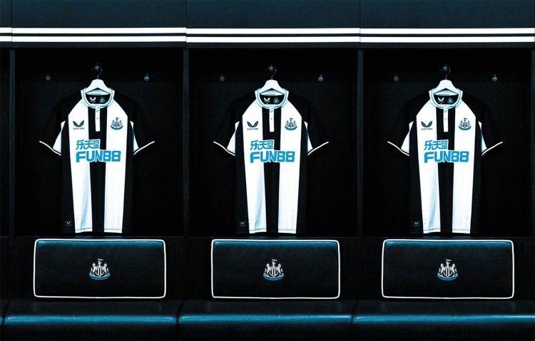 Presentazione nuova maglia Newcastle firmata Castore