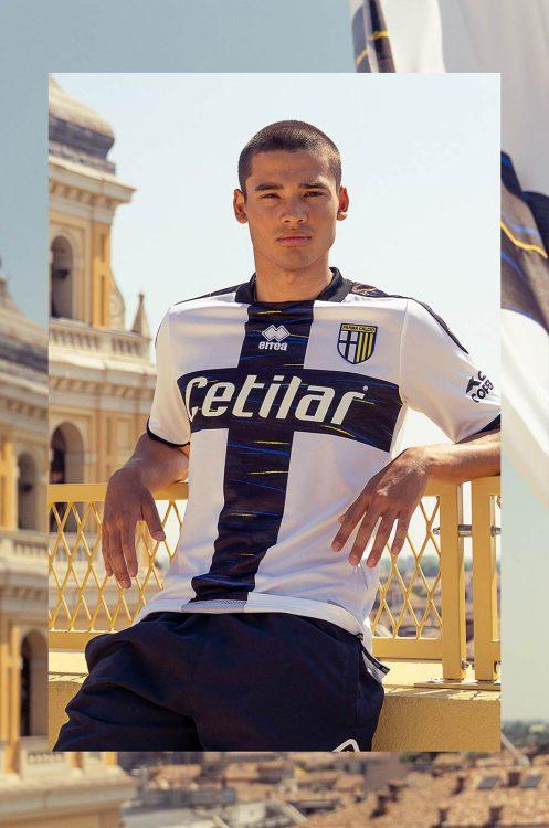 La prima maglia del Parma 2021-2022