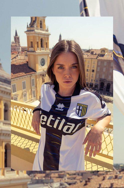 La nuova maglia del Parma 2022