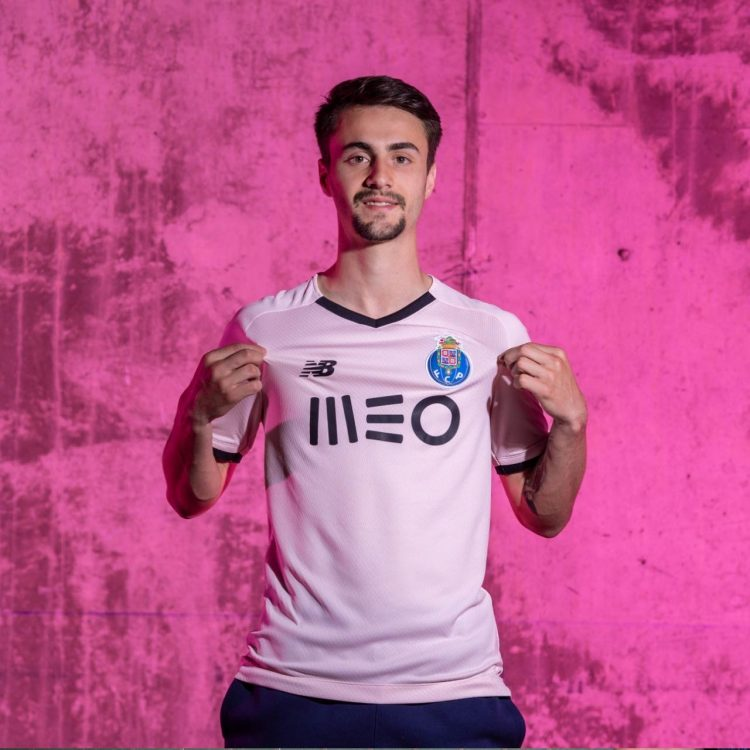 La terza divisa del Porto 2021-2022
