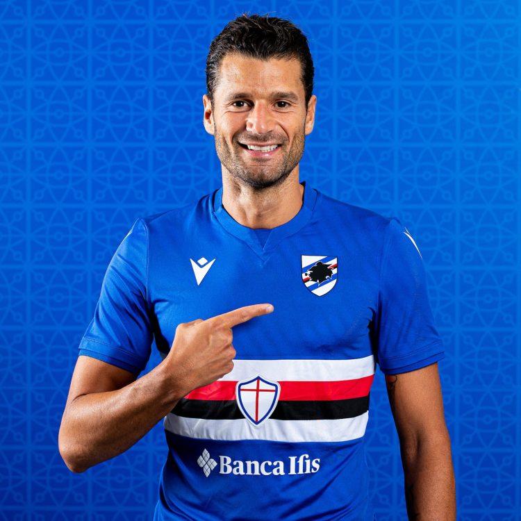 Candreva con la nuova maglia della Sampdoria