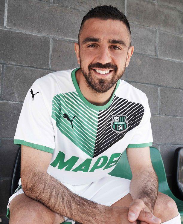 La nuova divisa away del Sassuolo 2021-2022