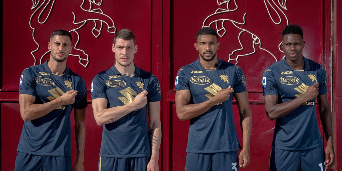 La nuova terza maglia del Torino blu e oro