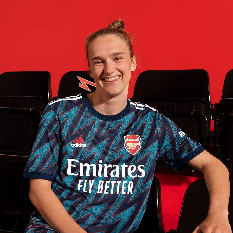 La terza divisa dell'Arsenal 2021-2022