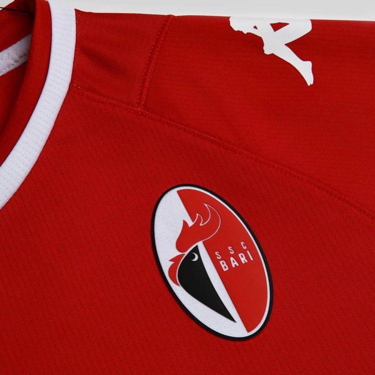 Dettaglio logo Bari maglia away