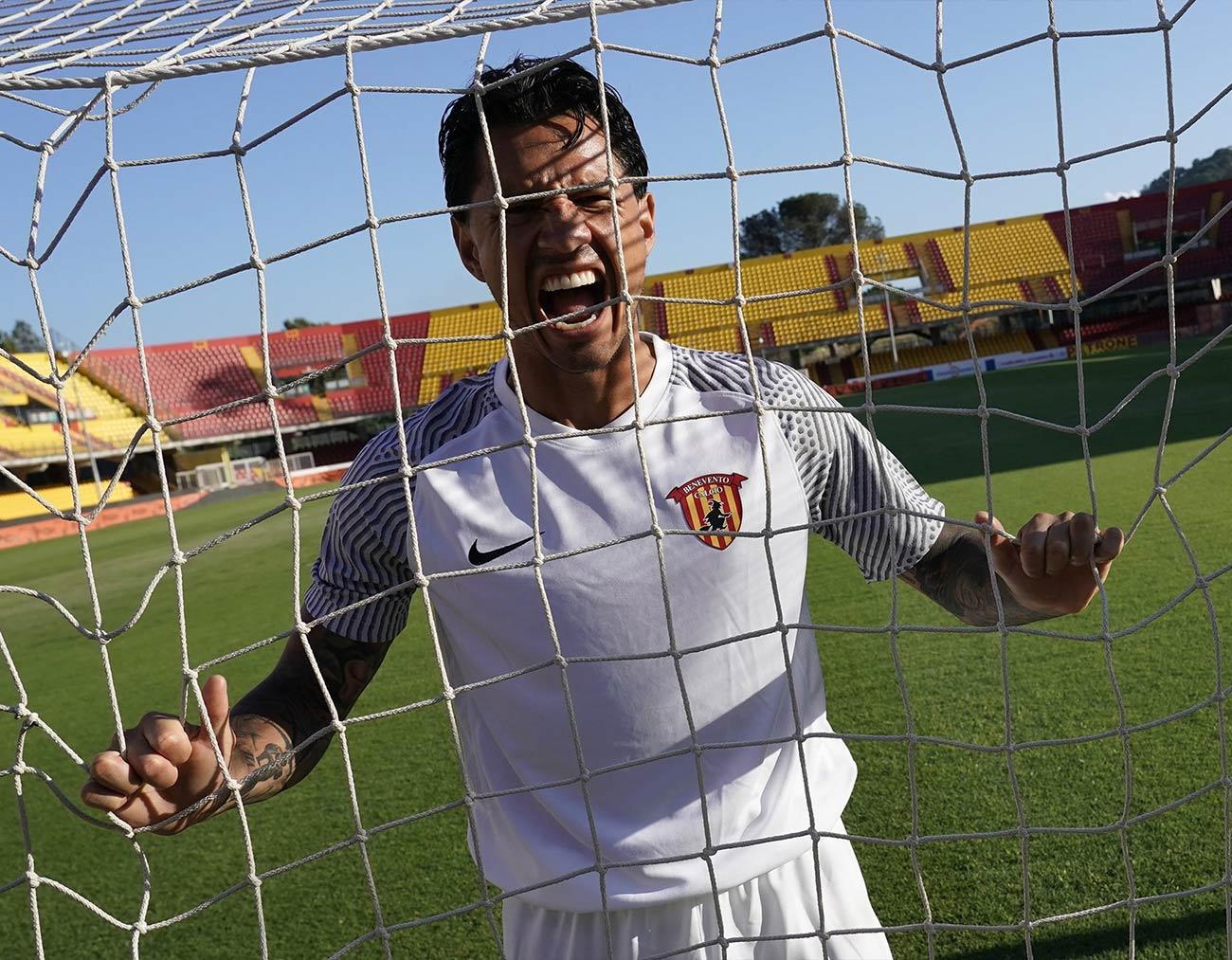 Benevento maglia away bianca 2021-2022