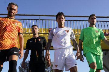 Le nuove maglie del Benevento 2021-2022