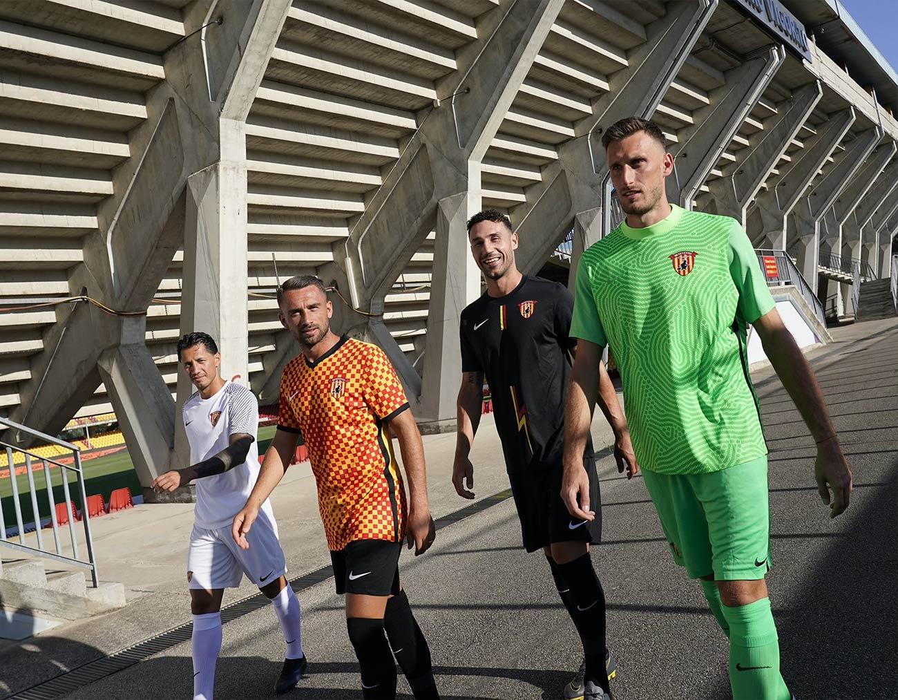 Le maglie Nike del Benevento 2021-2022