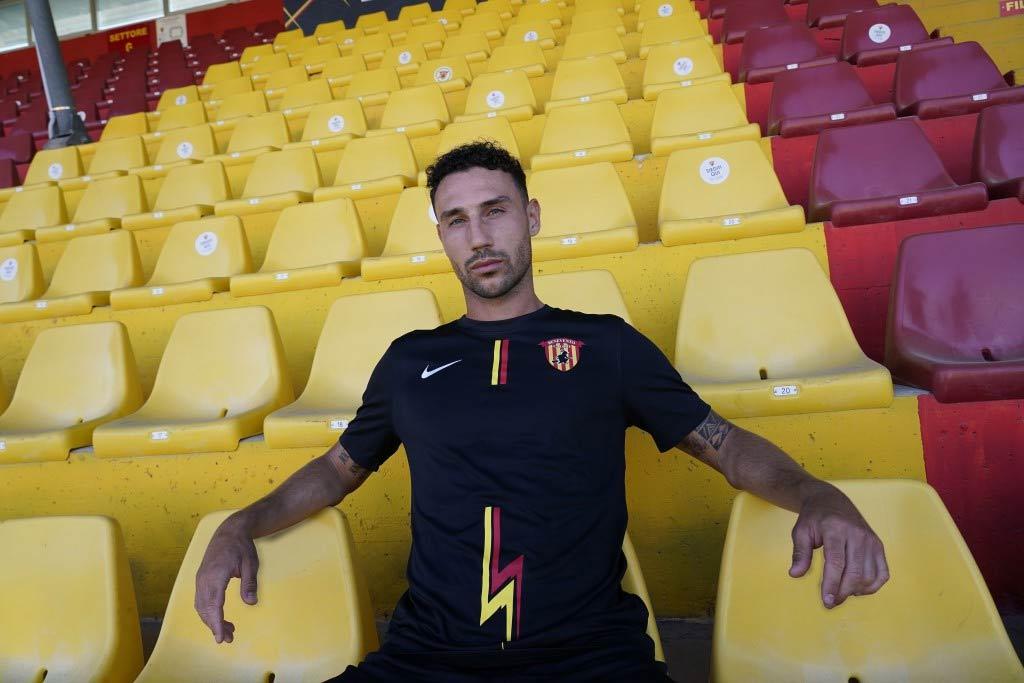Terza maglia nera Benevento