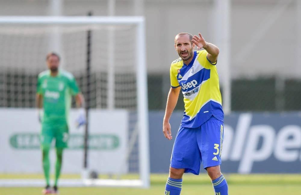 Chiellini terza maglia Juventus gialloblù