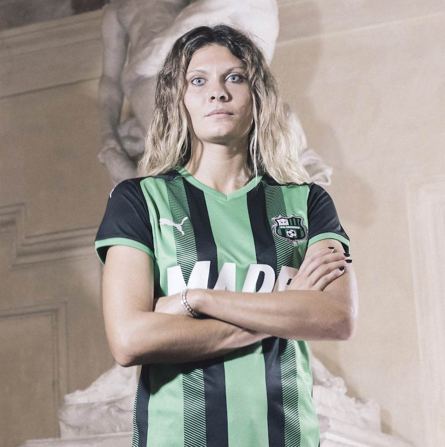 Sassuolo home kit 2021-22