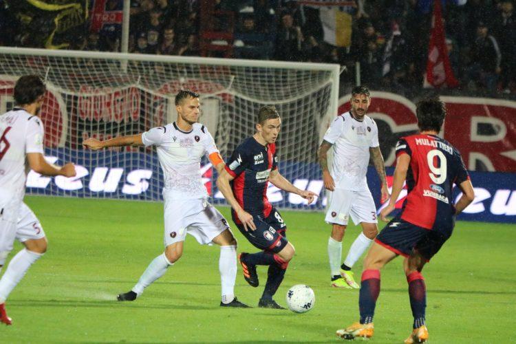maglia-crotone-home-play1-21-22